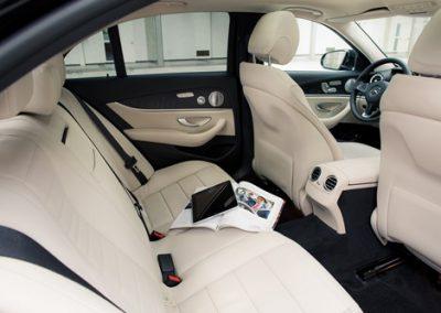 interieur Mercedes E-klasse | Chauffeurstelefoon VIP Vervoer